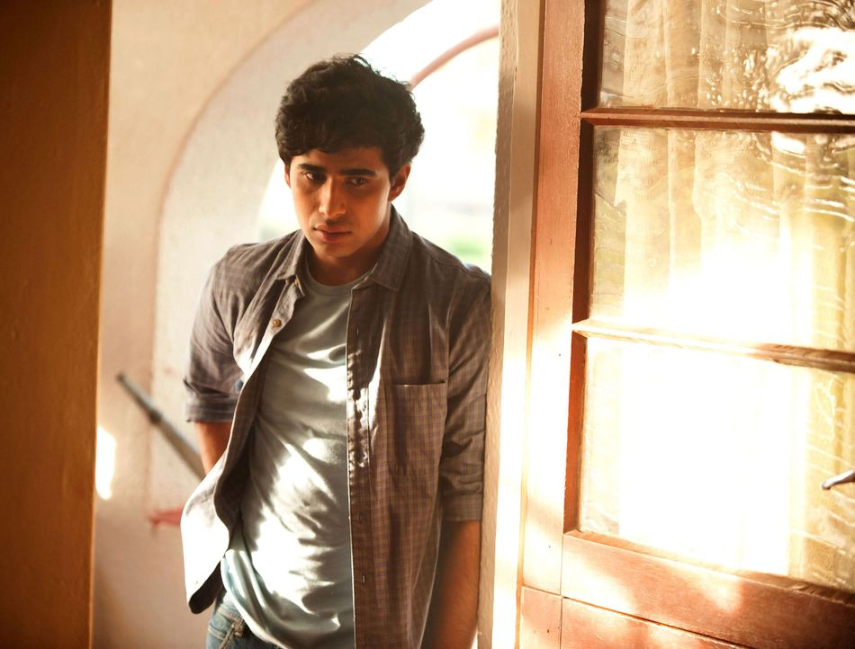 Gut oder böse? Aayan (Suraj Sharma) ... - Bildquelle: Homeland   2014 Twentieth Century Fox Film Corporation