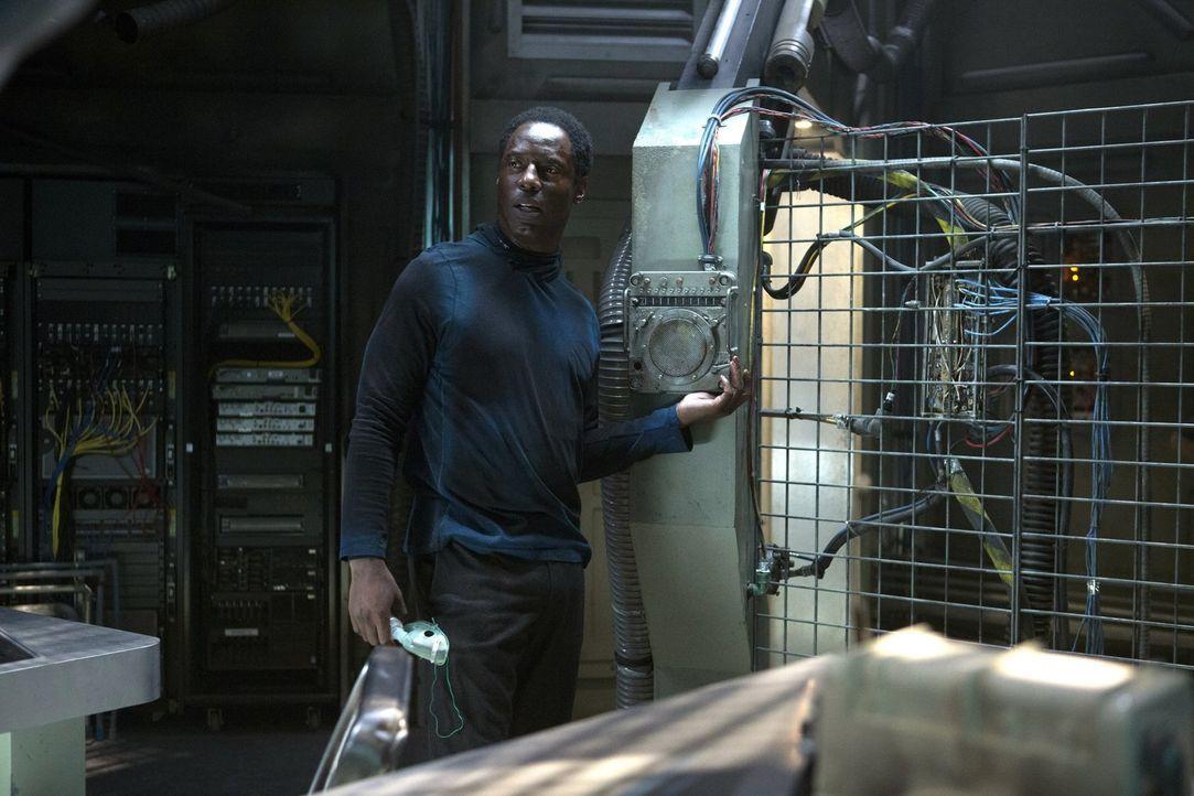 Kanzler Jaha (Isaiah Washington) trifft eine aufopferungsvolle Entscheidung ... - Bildquelle: Warner Brothers