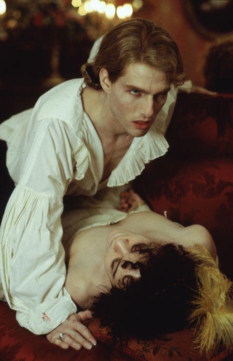 Mit Leidenschaft und Hingabe ein Vampir: Lestat (Tom Cruise) ... - Bildquelle: Warner Bros.
