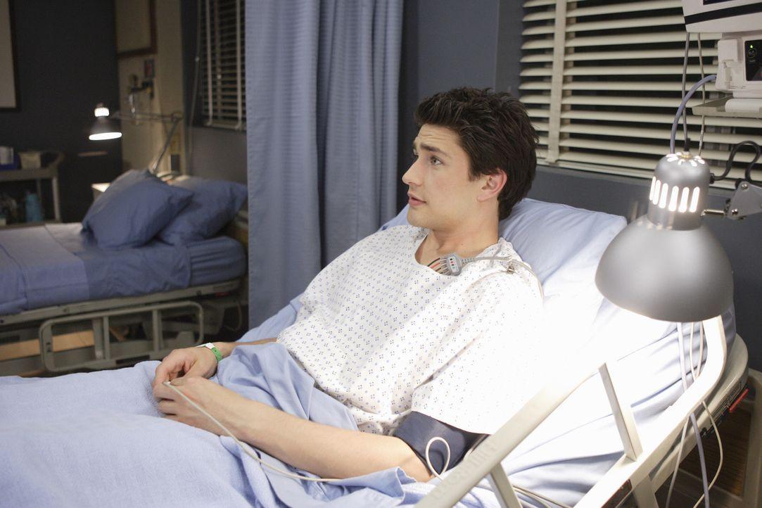 Nach seinem Schwächeanfall wird Kyle (Matt Dallas) ins Krankenhaus eingeliefert. Dort bekommt er überraschenden Besuch ... - Bildquelle: TOUCHSTONE TELEVISION