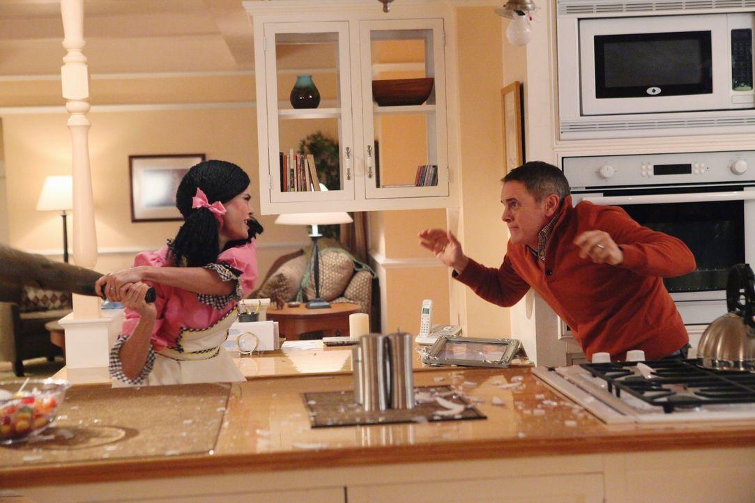 Paul (Mark Moses, r.) merkt, dass er sich mit Susan (Teri Hatcher, l.) besser nicht anlegen sollte ... - Bildquelle: ABC Studios