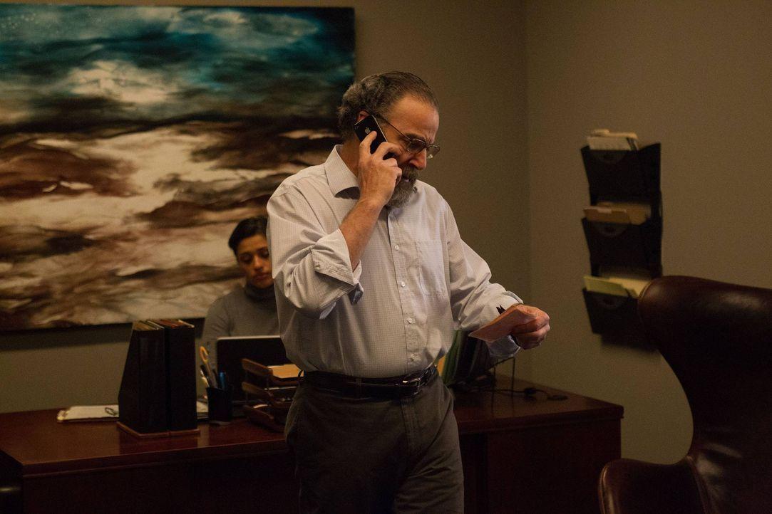 Carrie will einer Journalistin die Wahrheit über die Beziehung Brodys zur Behörde erzählen, was von Saul (Mandy Patinkin) jedoch verhindert wird ...... - Bildquelle: 2013 Twentieth Century Fox Film Corporation. All rights reserved.