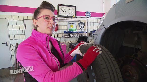 Achtung Kontrolle - Achtung Kontrolle! - Thema U.a.: Frauen An Die Macht - Autofrauenwerkstatt In Großenhain