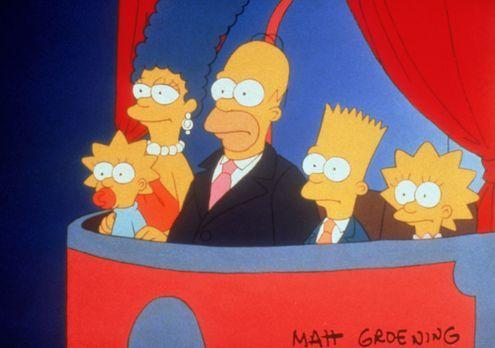 Die Simpsons - Bei einem Intelligenztest in der Schule vertauscht Bart (2.v.r...