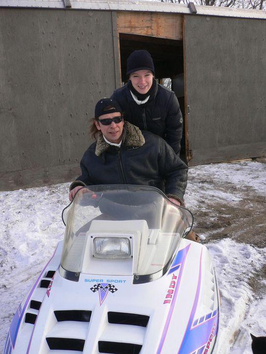 Seit 10 Monaten leben Severin Staubach (27) und Volker Wiedner (41) nun in Estevan, Kanada. Severin hat Volker damals nur schweren Herzens begleitet... - Bildquelle: kabel eins