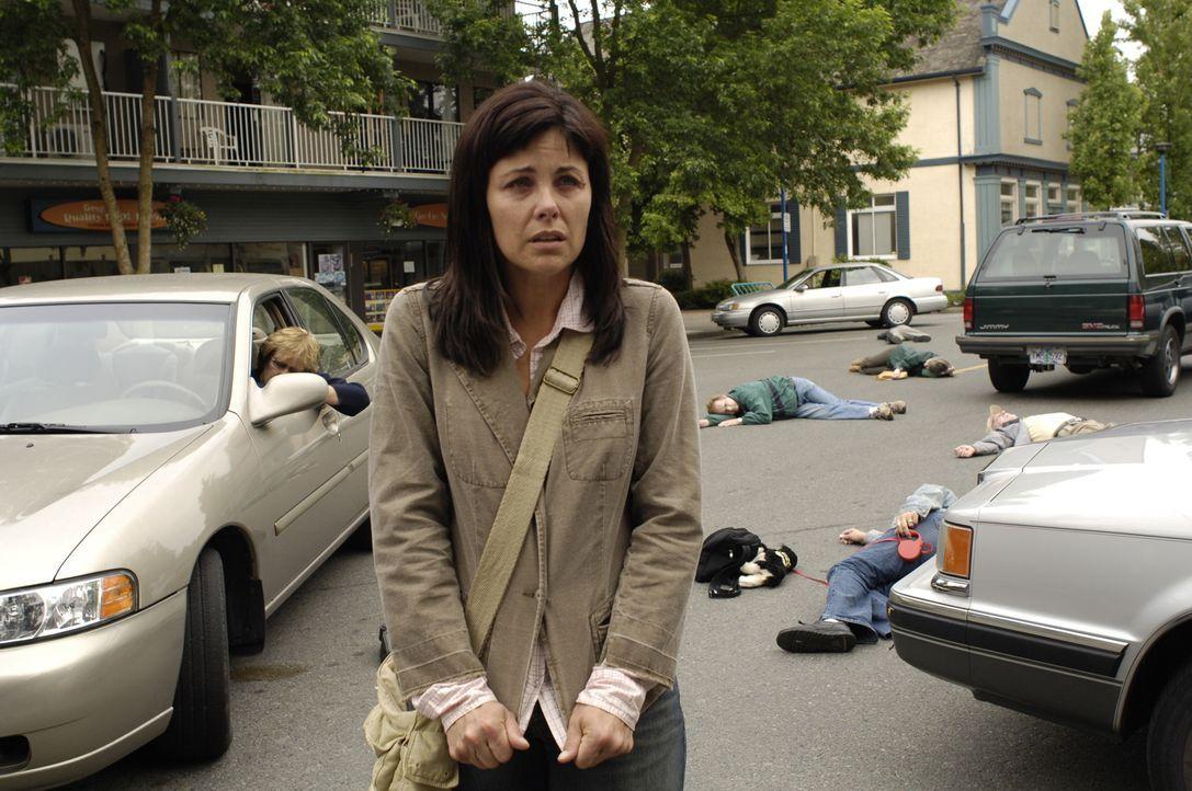 Jean DeLynn Baker (Sherilyn Fenn), eine Rückkehrerin, deren Fähigkeiten sich in eine Plage verwandelt haben, glaubt sie sei der neue Messias ... - Bildquelle: Viacom Productions Inc.