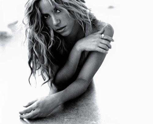 Galerie Shakira | Frühstücksfernsehen | Ratgeber & Magazine - Bildquelle: Antoine Verglas - Sony BMG