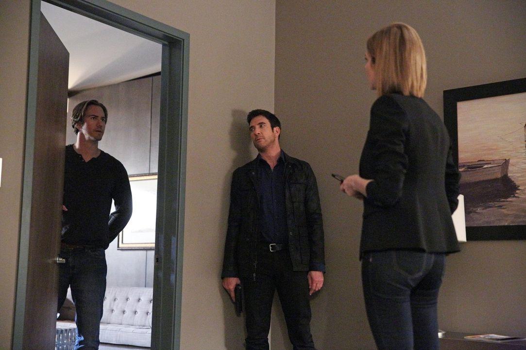 Hat Jason (Wes Ramsey, l.) etwas mit dem Fall zu tun, in dem Jack (Dylan McDermott, M.) und Janice (Mariana Klaveno, r.) gerade ermitteln? - Bildquelle: Warner Bros. Entertainment, Inc.