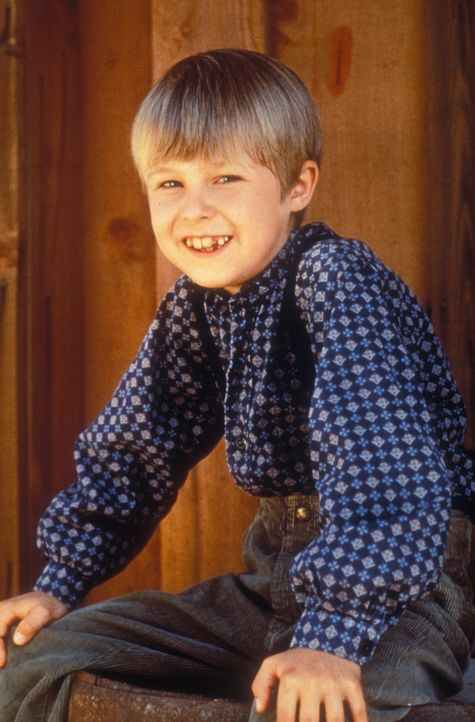 Tut sich anfangs schwer, sich mit seiner Ersatzmutter anzufreunden: Brian (Shawn Toovey) ... - Bildquelle: CBS Studios Inc. All Rights Reserved.