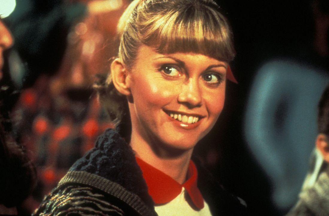 Um Macho-Schmalztolle Danny zu beeindrucken, wandelt sich die zahme Sandy (Olivia Newton-John) zur Motorradbraut ... - Bildquelle: Paramount Pictures