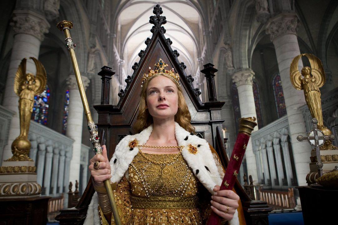 England, 1464: Elizabeth (Rebecca Ferguson) aus dem Hause Lancaster wird zur Königin Englands gekrönt ... - Bildquelle: 2013 Starz Entertainment LLC, All rights reserved
