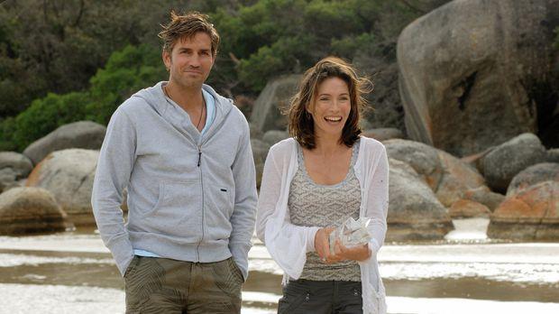 Hoffen, dass der Campingausflug ihrer Ehe gut tut: Doch für Peter (James Cavi...