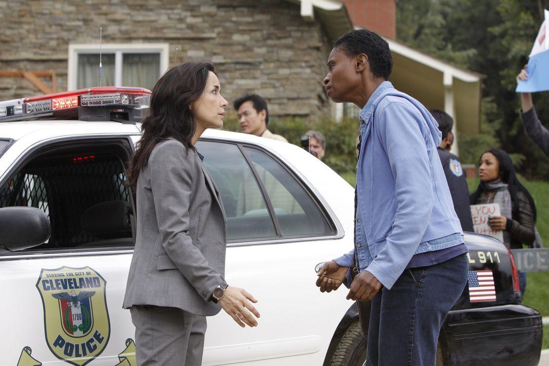 Während den Ermittlungen um die achtjährige Samantha wird das Team von Jeanette Rawlins (Adina Porter, r.) unterbrochen - deren Tochter ebenfalls ve... - Bildquelle: ABC Studios