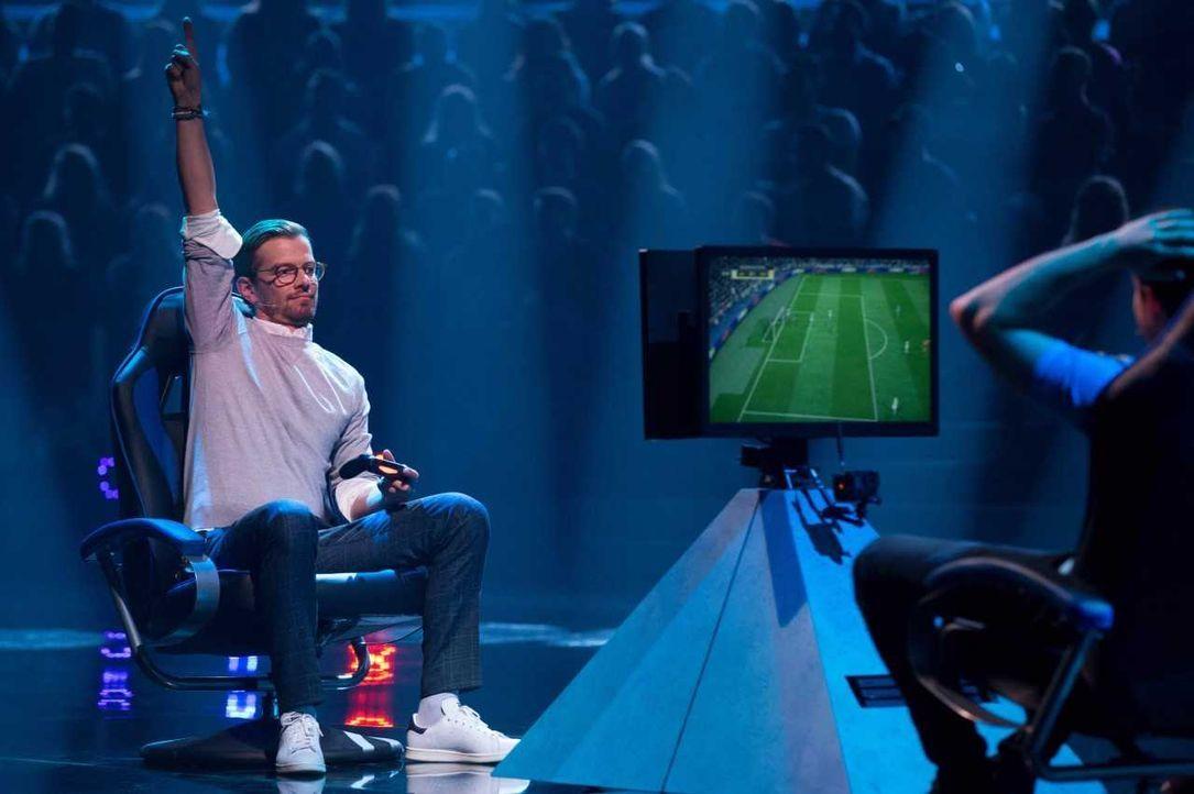 Joko triumphiert bei FIFA - Bildquelle: ProSieben/Jens Hartmann