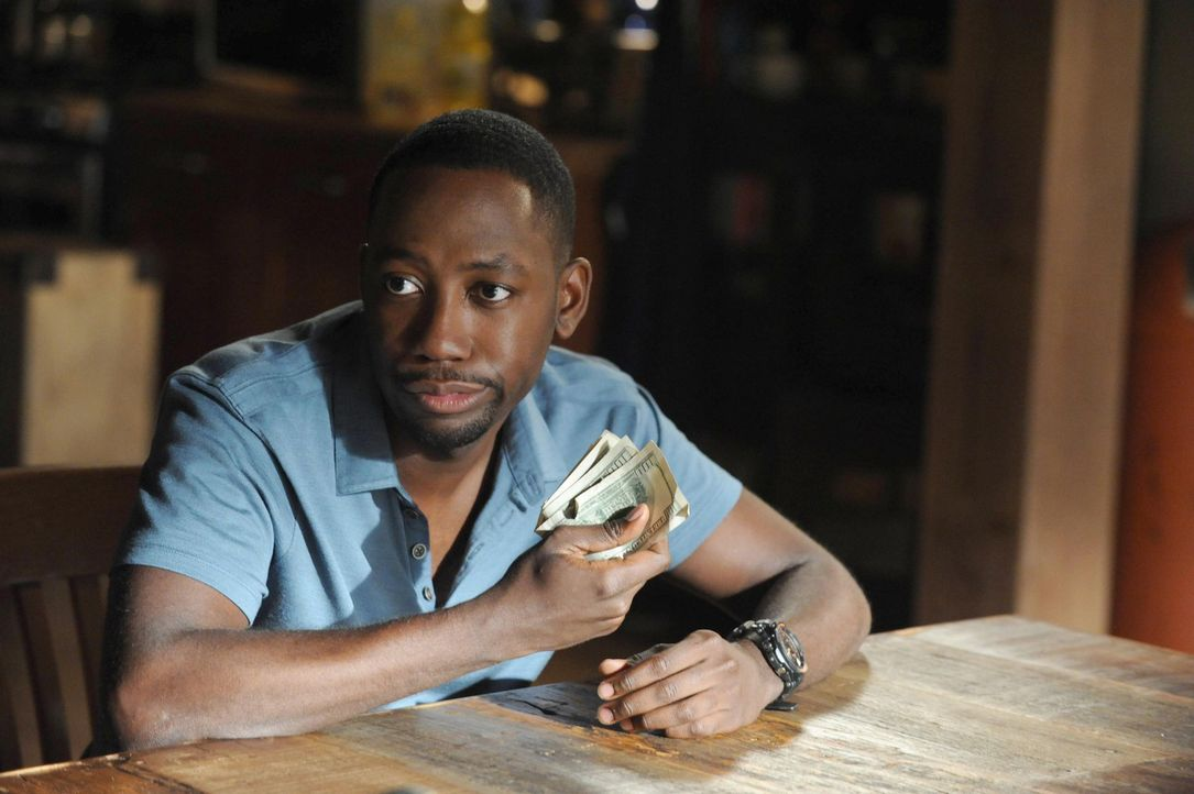 Eigentlich schuldet Nick Winston (Lamorne Morris) noch Geld, doch dieser gibt sein Erbe lieber für andere Dinge aus, als seine Schulden zu begleiche... - Bildquelle: TM &   2013 Fox and its related entities. All rights reserved.
