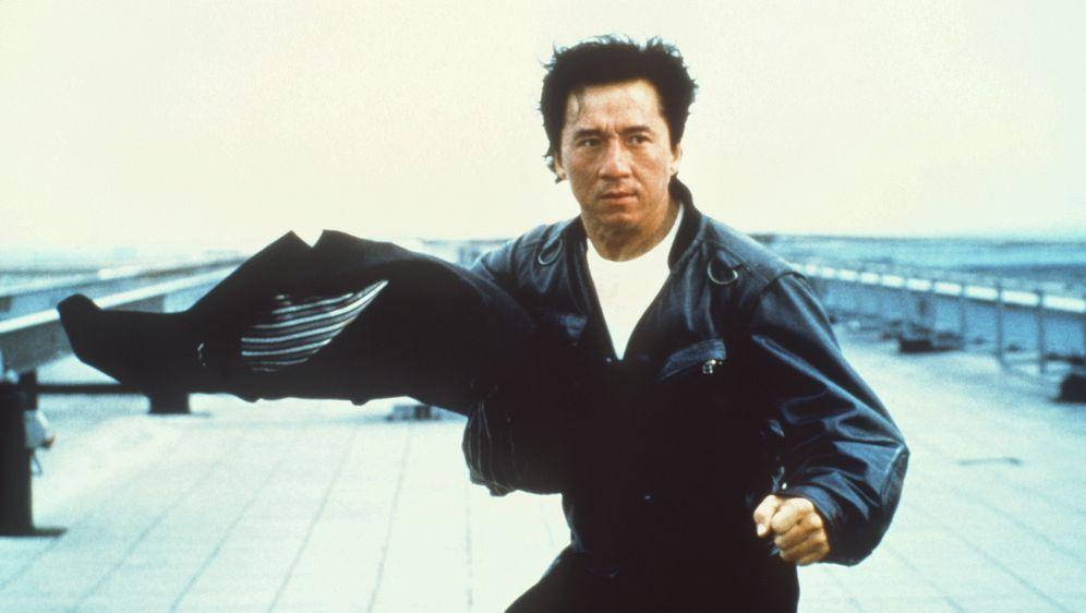 Jackie Chan ist Nobody - Bildquelle: Columbia TriStar Film
