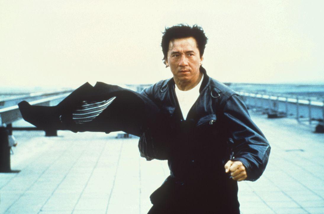 Ein folgenschwerer Auftrag verändert das Leben des Spezialagenten Whoami (Jackie Chan) aus Hongkong vollständig. Denn er wird in gefährliche Intrige... - Bildquelle: Columbia TriStar Film