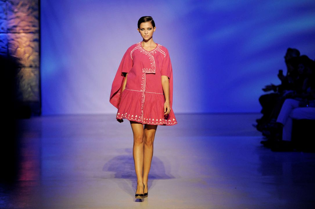 GNTM-Stf09-Epi02-Fashion-Show-35-ProSieben-Oliver-S - Bildquelle: ProSieben/Oliver S.