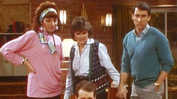 Peggy (Katey Sagal, l.), Marcy (Amanda Bearse) und Steve (David Garrison, r.)...