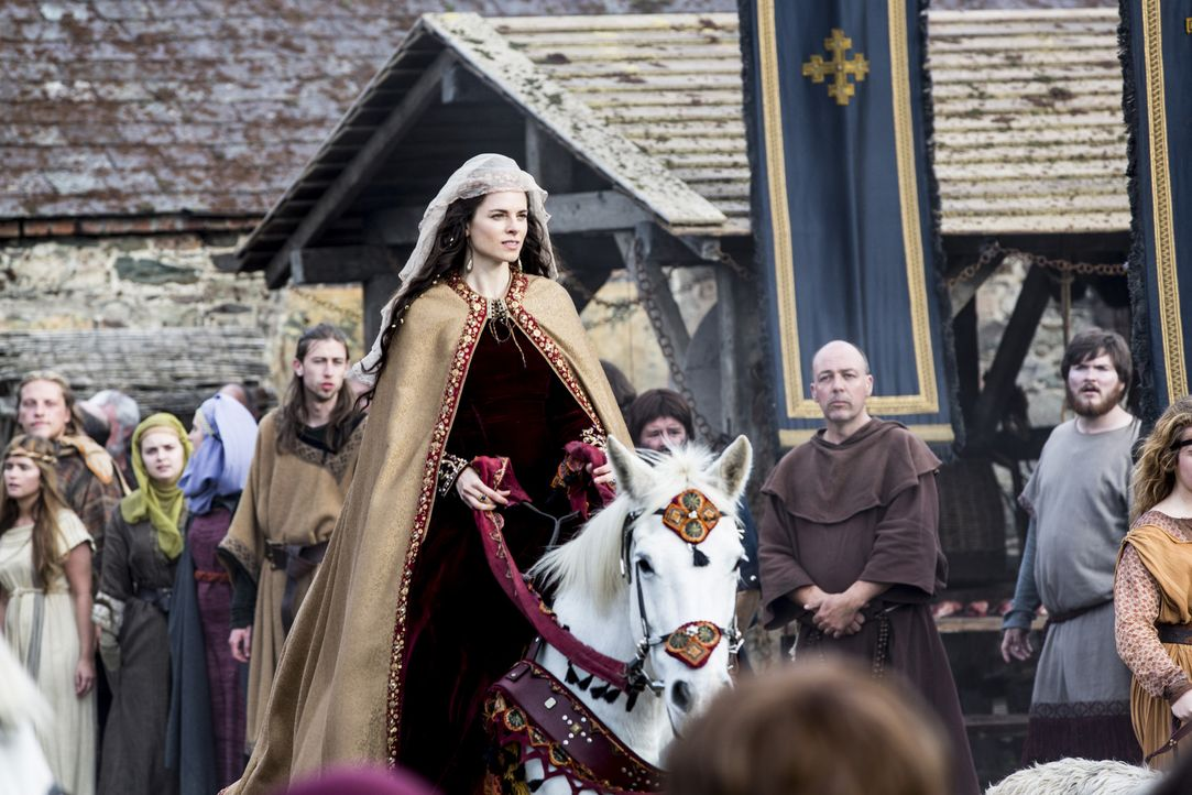 Während Aslaug in Kattekat ihr Baby bekommt, erwartet König Ecbert in Wessex Besuch von keiner geringeren als Prinzessin Kwenthrith (Amy Bailey, M.)... - Bildquelle: 2014 TM TELEVISION PRODUCTIONS LIMITED/T5 VIKINGS PRODUCTIONS INC. ALL RIGHTS RESERVED.