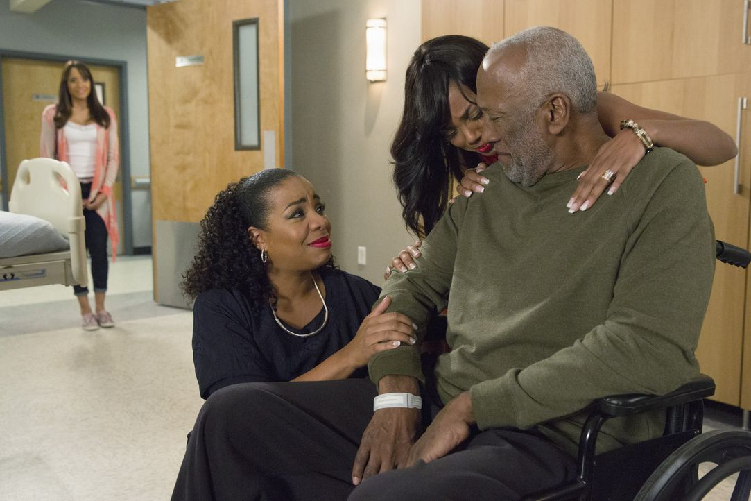 Rosie (Dania Ramirez, l.) weiß, wie wichtig Familie ist und Lucinda (Kimberly Hebert Gregory, 2.v.l.), Didi (Tiffany Hines, 2.v.r.) und Kenneth (Wil... - Bildquelle: 2014 ABC Studios