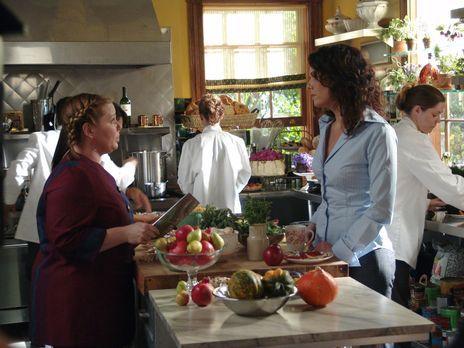 Das unausstehliche Verhalten von Sookie (Melissa McCarthy, l.) geht Lorelai (...