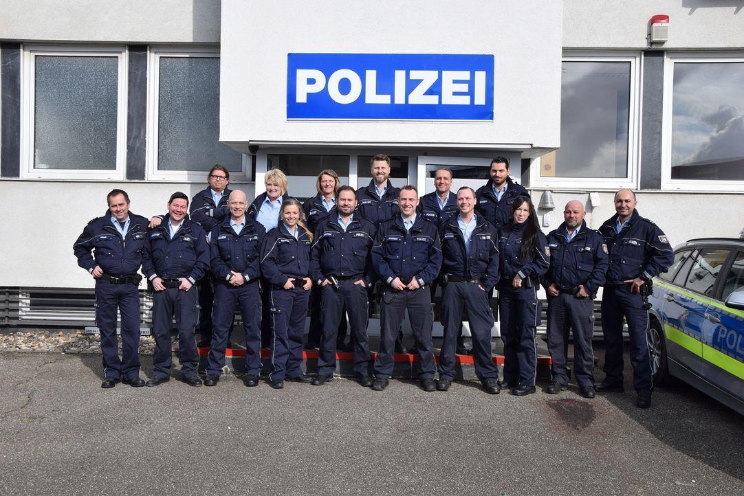 """Im Kölner Stadtteil Mülheim beziehen die beliebten Polizisten, bekannt aus """"Auf Streife"""", nun ihr festes Revier - auch dort erwarten sie spannende E... - Bildquelle: SAT.1"""