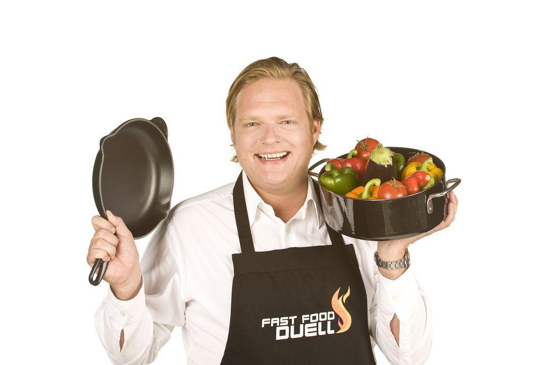 """""""Das Fast Food-Duell - Spitzenkoch gegen Lieferservice"""": Spitzenkoch Björn Freitag stellt sich der Herausforderung ... - Bildquelle: kabel eins"""