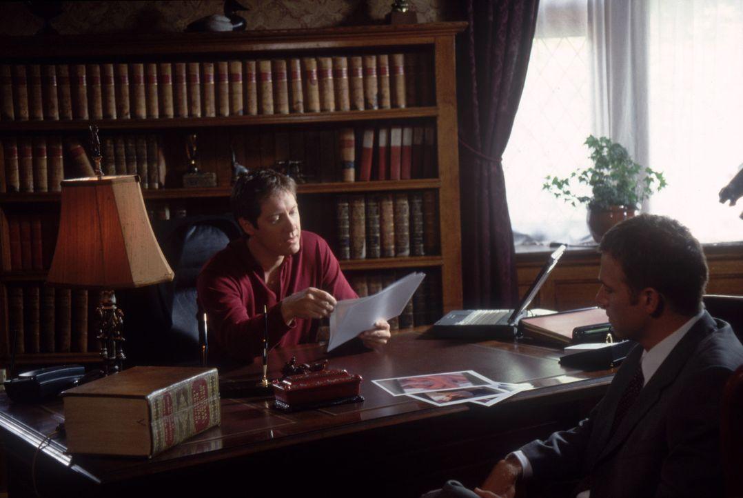 Harrison French (Matthew Davis, r.) sucht, nachdem er einen Mann überfahren hat, Hilfe bei William Ashbury (James Spader, l.). Doch wird er ihm hel... - Bildquelle: Nu Image Films