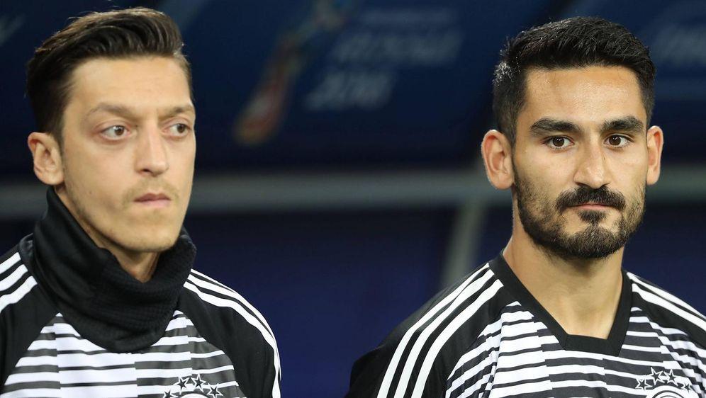 Gleich zum Auftakt der Premier League treffen Mesut Özil und IlkayGündogan ... - Bildquelle: getty