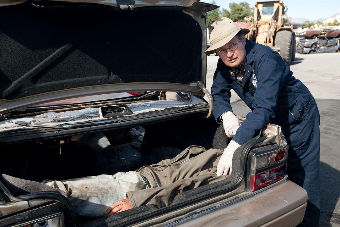 Nachdem reihenweise Biker umgebracht wurden, werden Ducky (David McCallum, r.) und seine Kollegen mit dem Fall betraut ... - Bildquelle: CBS Television