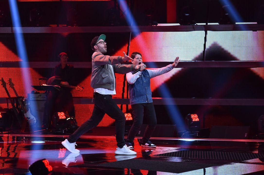 Mark und Leon auf der Bühne - Bildquelle: SAT.1 / Andre Kowalski