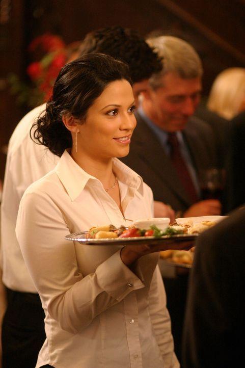Die Dinge zwischen Ryan und Marissa werden noch komplizierter, als Theresa (Navi Rawat), Ryans Ex, in Newport auftaucht ... - Bildquelle: Warner Bros. Television