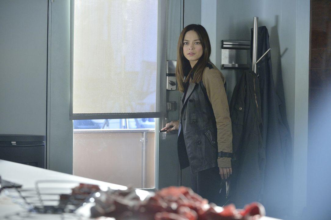 Macht sich große Sorgen um Vincent, nachdem sie ihn angeschossen hat: Cat (Kristin Kreuk) ... - Bildquelle: 2013 The CW Network, LLC. All rights reserved.