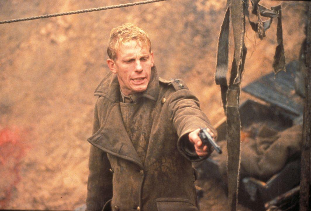 Als sich nach einer großen Schlacht der Nebel des Giftgases lichtet, stößt eine englische Einheit, unter der Führung des jungen Captain Bramwell Jen... - Bildquelle: F.A.M.E. AG
