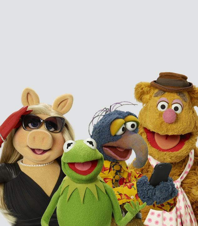 (1. Staffel) - Kermit (2.v.l.), Miss Piggy (l.), Gonzo (2.v.r.) und Fozzie Bär (r.) gewähren uns Einblicke hinter die Kulissen ihrer ganz besonderen... - Bildquelle: Bob D'Amico ABC Studios