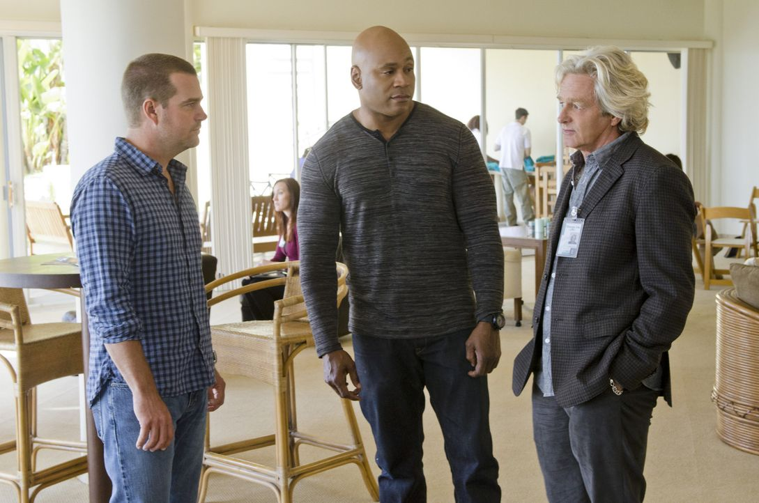 Bei den Ermittlungen in einem neuen Fall, stoßen Callen (Chris O'Donnell, l.) und Sam (LL Cool J, M.) auf Martin Lake (William Russ, r.). Doch was... - Bildquelle: CBS Studios Inc. All Rights Reserved.