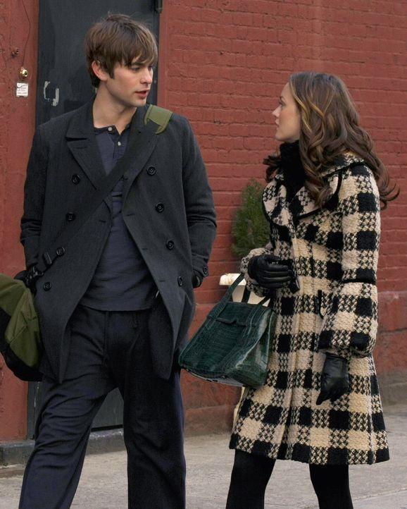 Um Blair (Leighton Meester, r.) von Chuck fernzuhalten, hat Nate (Chace Crawford, l.) eine Wohnung für sie angemietet. Doch all seinen Versuchen zum... - Bildquelle: Warner Brothers