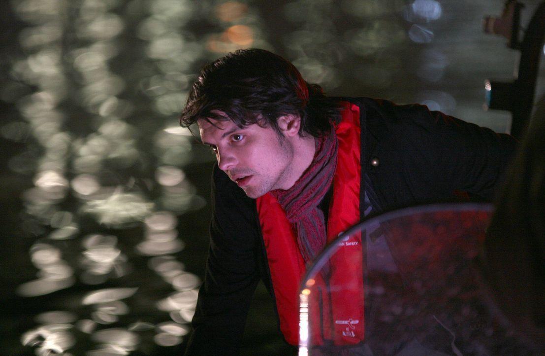 Auf Urzeitmonsterjagd: Connor (Andrew Lee Potts) ... - Bildquelle: ITV Plc