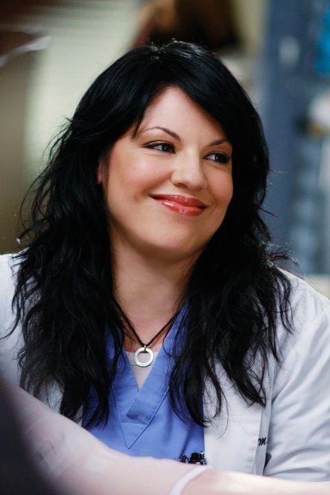 Callie (Sara Ramirez) bittet Arizona um eine Verabredung, doch diese lehnt ab, da Callie noch sehr unerfahren ist. Dies lässt Callie natürlich nic... - Bildquelle: Touchstone Television