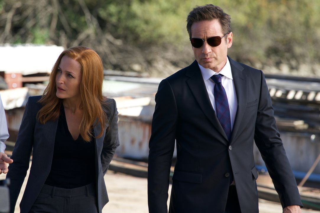 Als sich zwei Teenager gegenseitig attackieren, weil sie glauben, dass jeweils der andere ein Monster ist, ruft das sofort Scully (Gillian Anderson,... - Bildquelle: Robert Falconer 2018 Fox and its related entities.  All rights reserved.