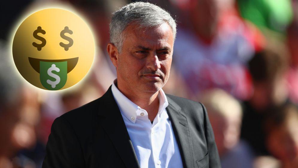Jose Mourinho winkt ein neuer Vertrag bei Manchester United - Bildquelle: 2017 Getty Images