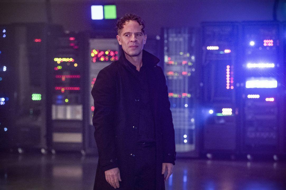 DeVoe (Neil Sandilands) arbeitet weiterhin an seinem Ziel, die ganze Menschheit zu verändern ... - Bildquelle: 2017 Warner Bros.