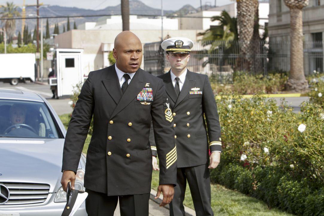 Versucht, einen neuen Fall zu lösen: Sam (LL Cool J, l.) ... - Bildquelle: CBS Studios Inc. All Rights Reserved.