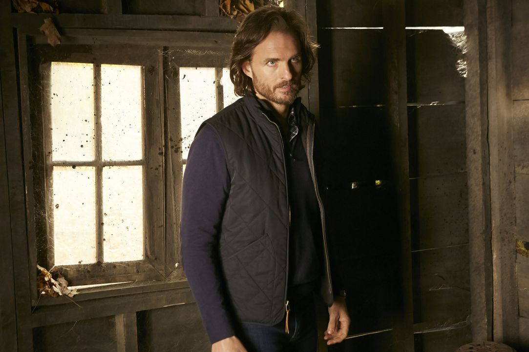 Jeremy (Greg Bryk) ist entsetzt, als er erfährt, dass Clay sehr wahrscheinlich für immer verloren ist ... - Bildquelle: 2015 She-Wolf Season 2 Productions Inc.