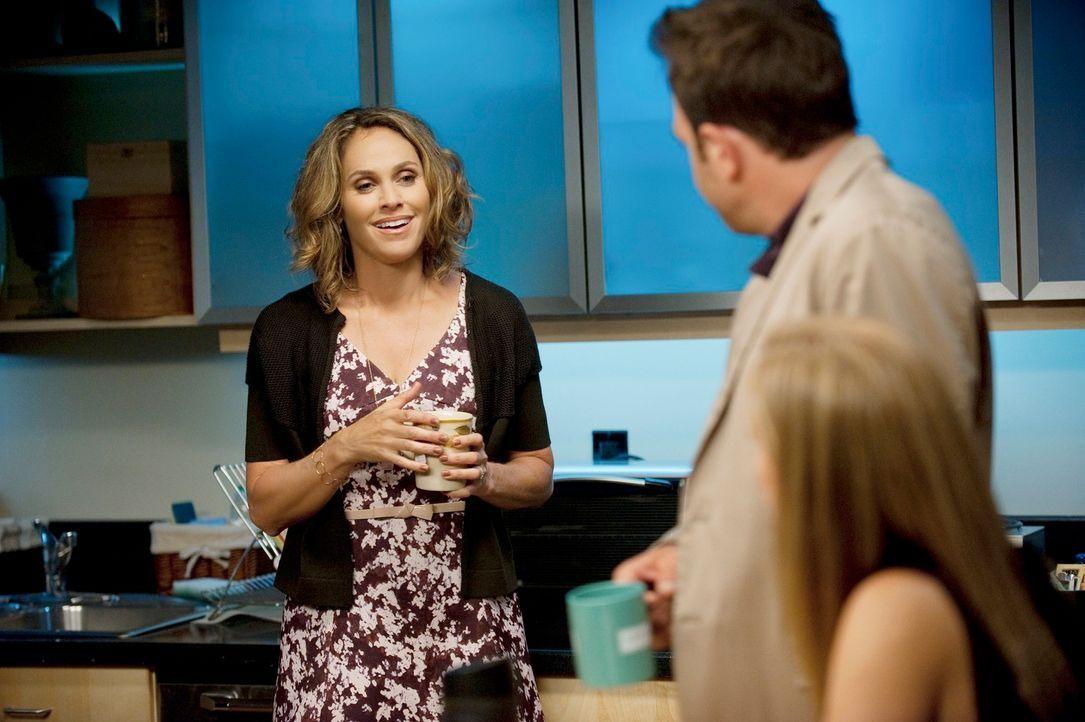 Noch ahnen Violet (Amy Brenneman, l.), Cooper (Paul Adelstein, l.) und Charlotte (KaDee Strickland, r.) nicht, dass sie bald von einem geliebten Men... - Bildquelle: ABC Studios