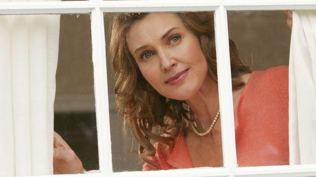 Mary Alice (Brenda Strong) erinnert sich daran, wie sie ihre Freundinnen kenn...