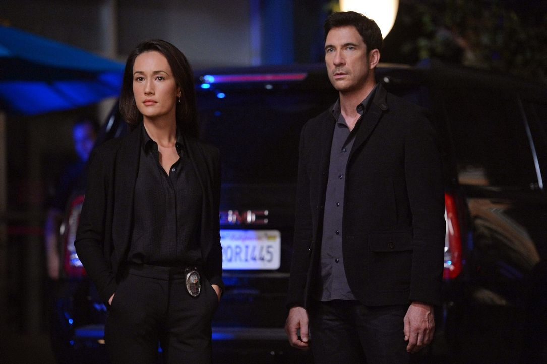 Ein neuer Fall wartet auf Jack (Dylan McDermott, r.) und Beth (Maggie Q, l.) ... - Bildquelle: Warner Bros. Entertainment, Inc.