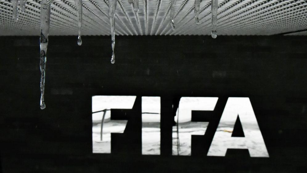 Ein Staatsanwalt wurde im FIFA-Fall suspendiert - Bildquelle: AFPSIDMICHAEL BUHOLZER