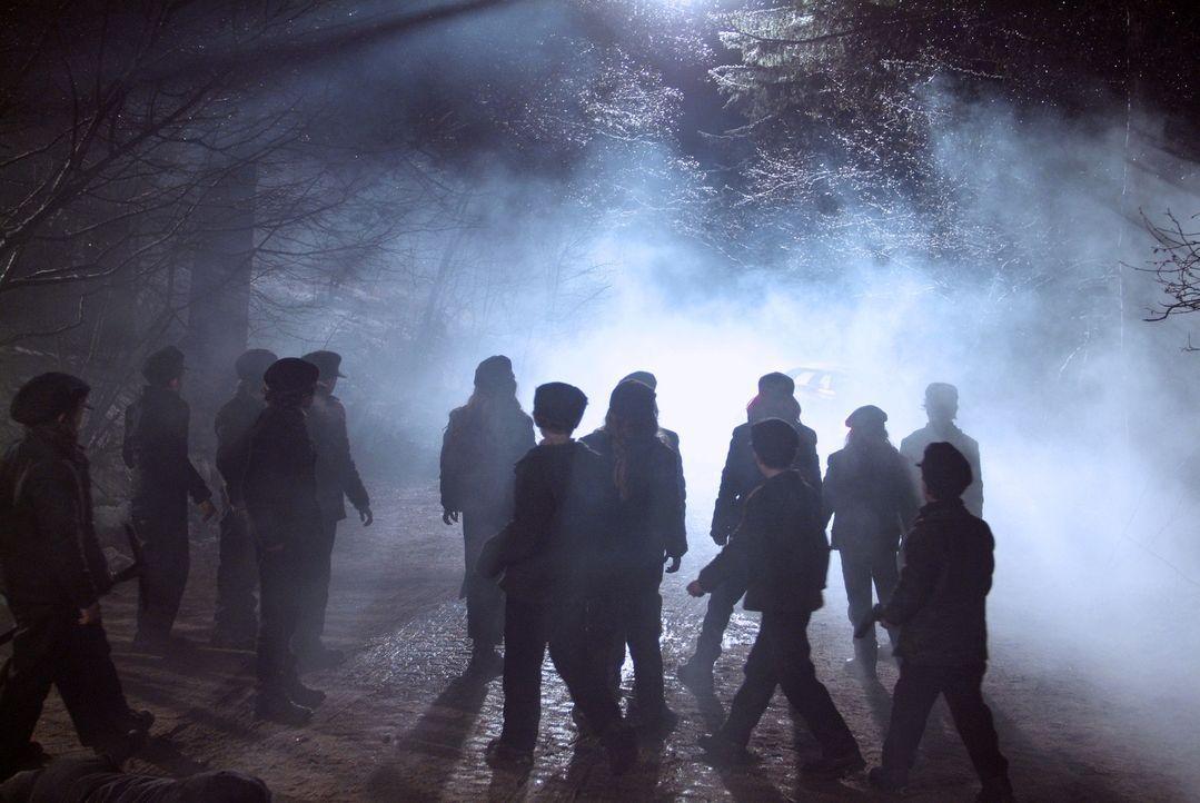 Wollen sich rächen: Kinder, die Anfang des Jahrhunderts zu ausbeuterischen Bedingungen in einem Bergwerk arbeiten mussten und dort verschüttet wurde... - Bildquelle: Nu Image Films